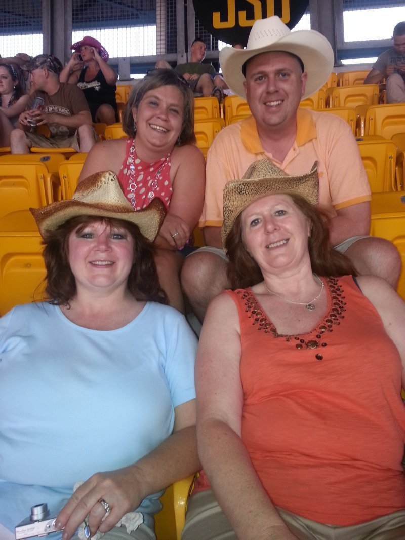 6ca95e723ecc81 Christopher attended Kenny Chesney  No Shoes Nation Tour   Heinz Field on  Jun 22nd 2013