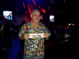 Donald attended Brad Paisley - Weekend Warrior World Tour With Dustin Lynch, Chase Bryant and Lindsay Ell on Jan 27th 2018 via VetTix