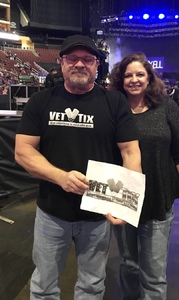 Jeffrey attended Brad Paisley - Weekend Warrior World Tour With Dustin Lynch, Chase Bryant and Lindsay Ell on Jan 27th 2018 via VetTix