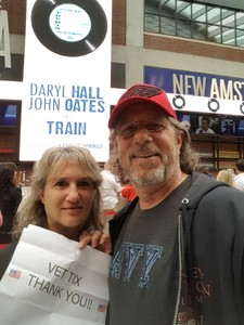 Autumn attended Daryl Hall & John Oates and Train on May 20th 2018 via VetTix