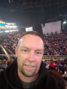jeremy attended Kelly Clarkson on Feb 7th 2019 via VetTix