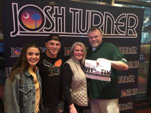 Birk attended Josh Turner on Mar 12th 2020 via VetTix