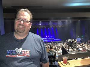 Rich  attended Dennis DeYoung on Mar 7th 2020 via VetTix