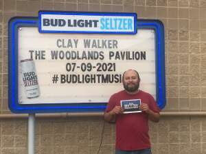 Lupe attended Clay Walker on Jul 9th 2021 via VetTix