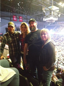 Robert attended Brad Paisley - Weekend Warrior World Tour With Dustin Lynch, Chase Bryant and Lindsay Ell on Apr 7th 2018 via VetTix